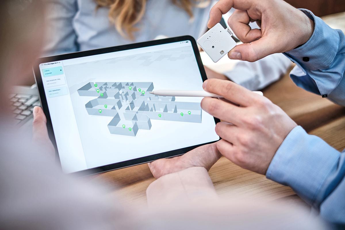 Teamarbeit am Tablet