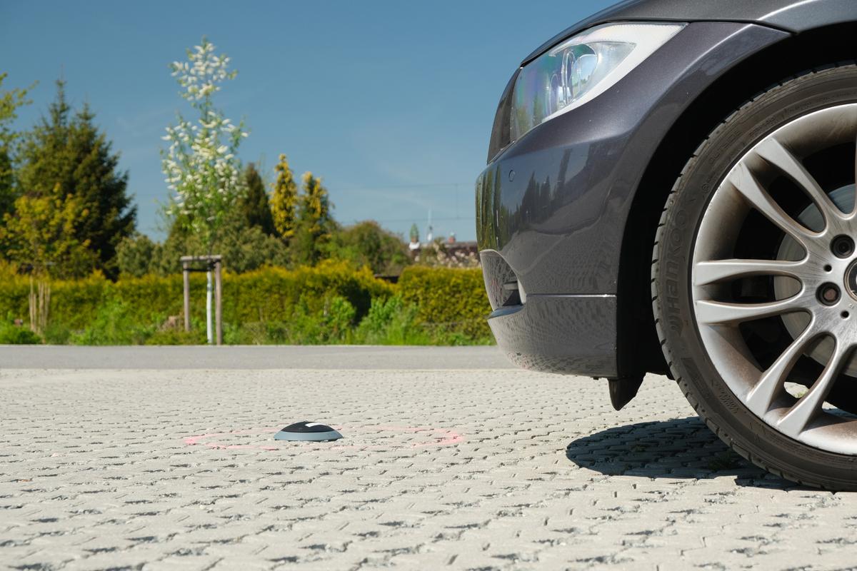 Parkplatz mit Sensor